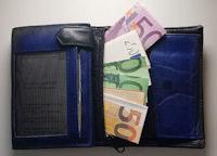 1000 Euro im Portmonee
